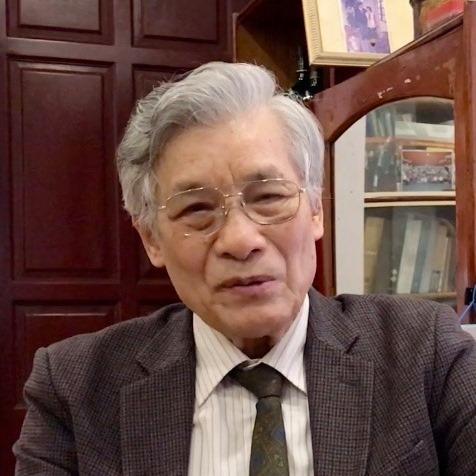 Giáo sư Mạc Văn Trang.