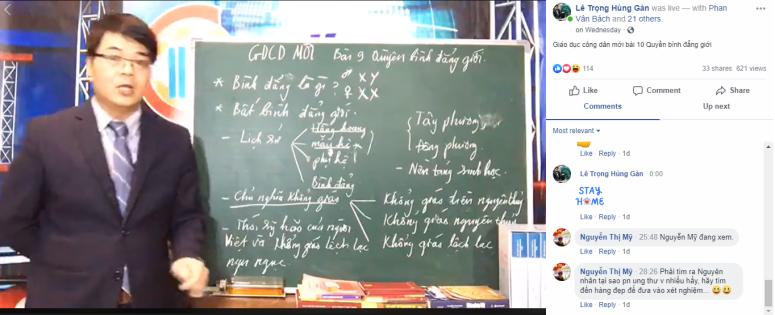 Nhà giáo Lê Trọng Hùng trong giờ dạy online.