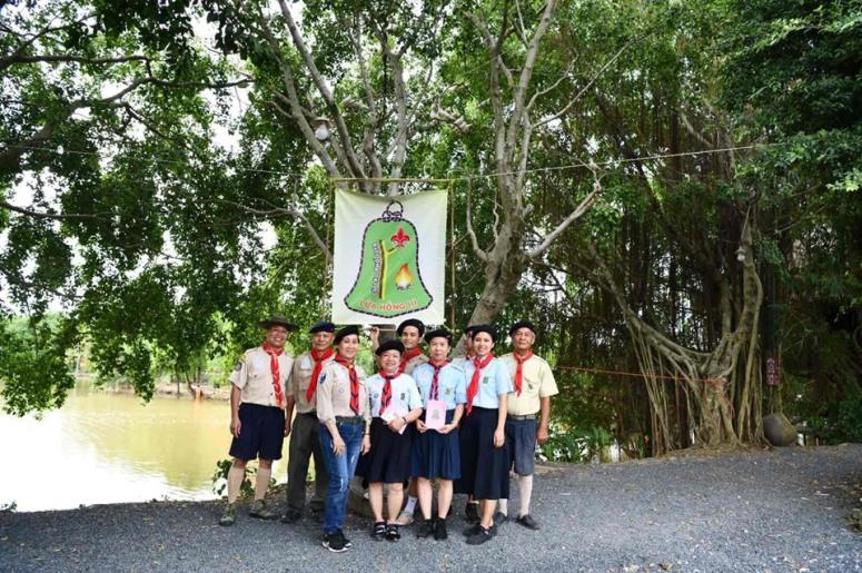 Ảnh 1: Một nhóm Hướng đạo sinh đang sinh hoạt độc lập.